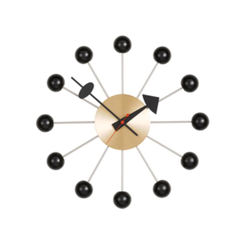 Vita Ball Clock i messing/sort