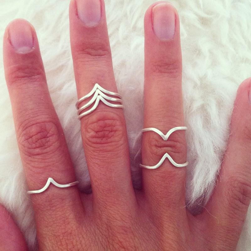 Køb Vera Vega Mini Willow Ring Guld til en god pris online | Fri fragt og Prisgaranti