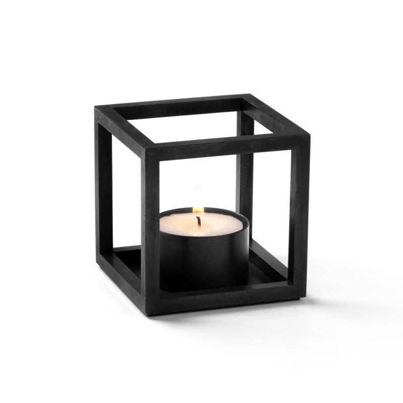 by lassen kubus t sort ikoniskte kubus stage til fyrfadslys. Black Bedroom Furniture Sets. Home Design Ideas