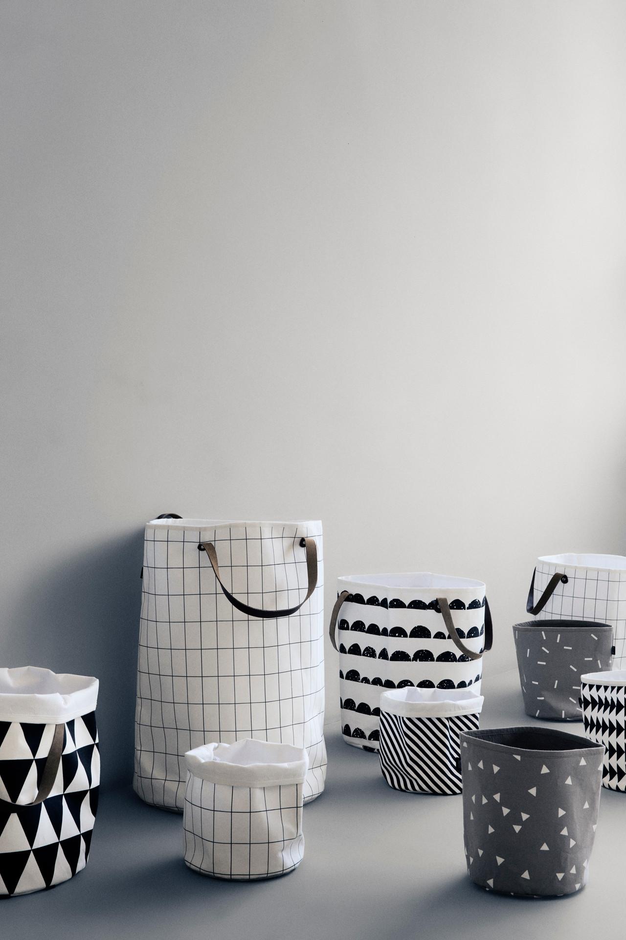 ferm living grid kurv grafisk opbevaring. Black Bedroom Furniture Sets. Home Design Ideas