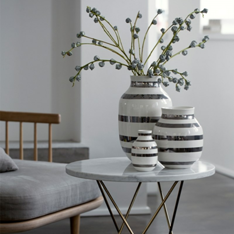 omaggio vase med s lv striber fra k hler k hler omaggio. Black Bedroom Furniture Sets. Home Design Ideas