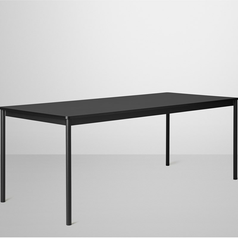 Muuto base table sort   elegant spisebord fra muuto