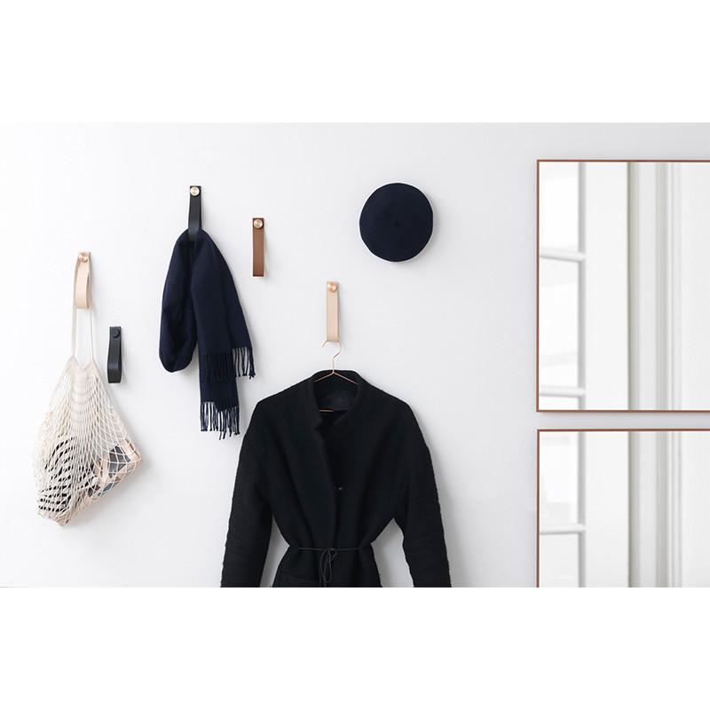 by lassen stropp knage sort og messing. Black Bedroom Furniture Sets. Home Design Ideas