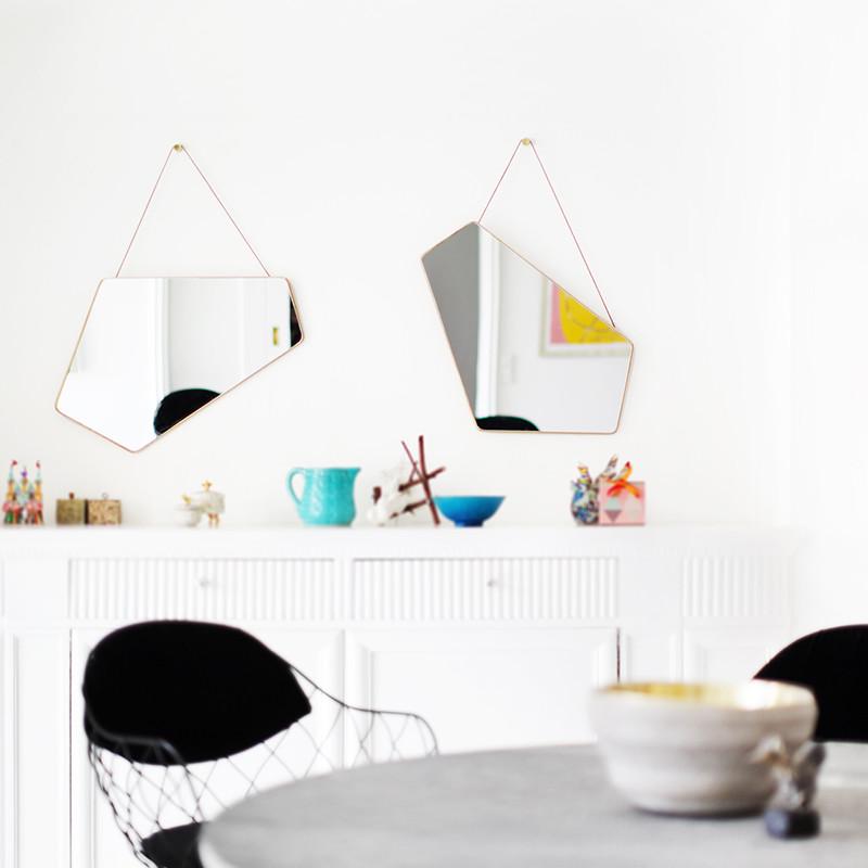 design by us ego spejl asymmetrisk spejl. Black Bedroom Furniture Sets. Home Design Ideas