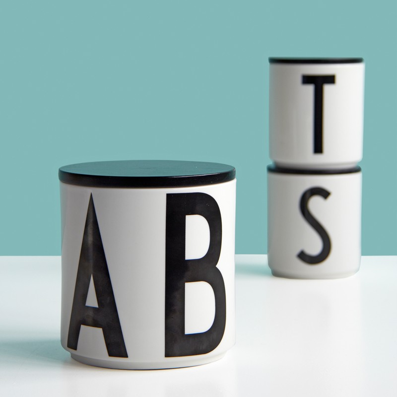 design letters multi jar krukke med arne jacobsen typografi. Black Bedroom Furniture Sets. Home Design Ideas
