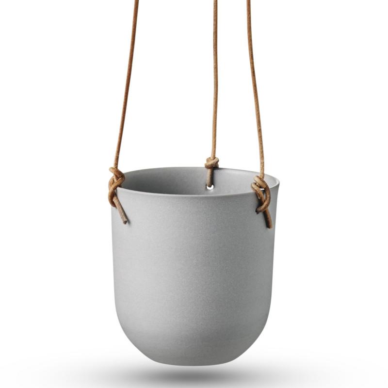 Smarte hængepotter i porcelæn fra ditte fischer