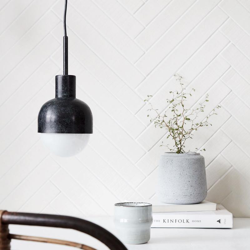 house doctor glow lampe sort oxideret indret dit hjem med smukke lamper. Black Bedroom Furniture Sets. Home Design Ideas