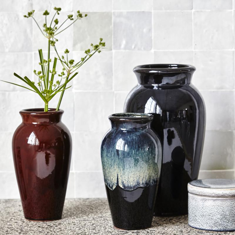 sort antique keramik vase fra house doctor. Black Bedroom Furniture Sets. Home Design Ideas