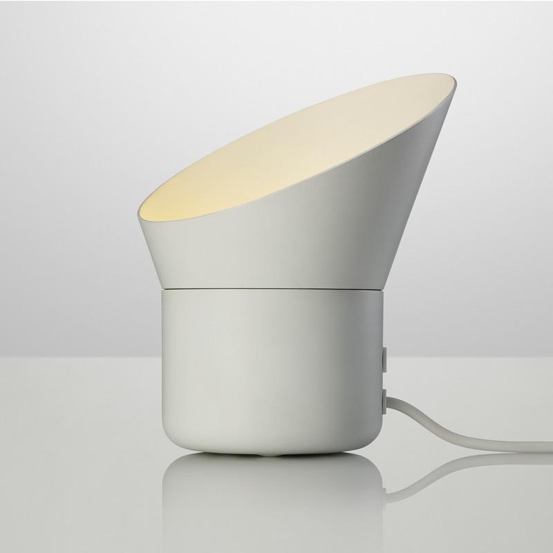 muuto up lampe elegant bordlampe fra muuto. Black Bedroom Furniture Sets. Home Design Ideas