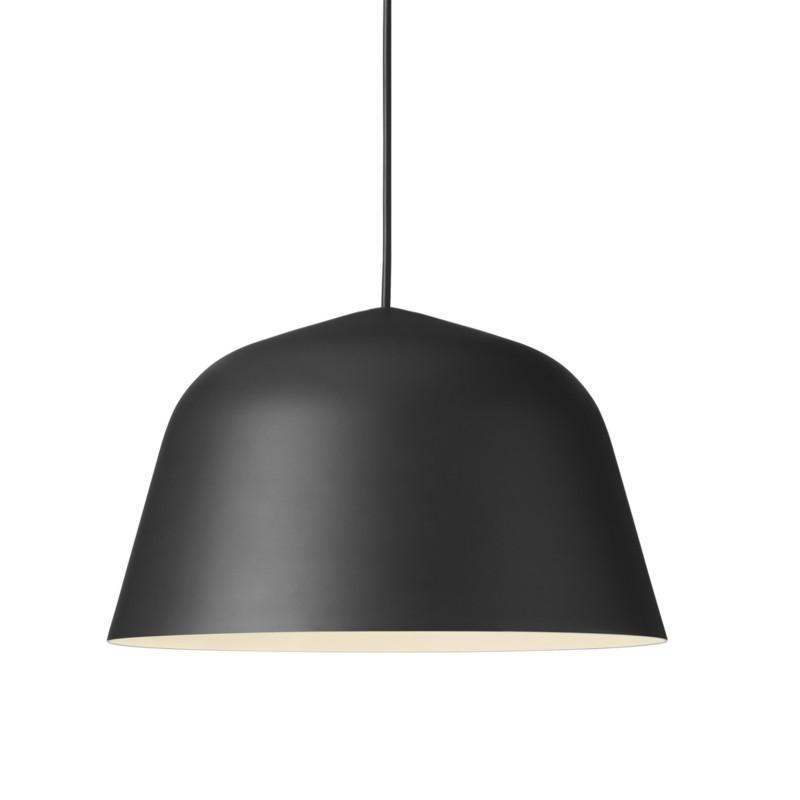 muuto lampe ambit smukke pendler fra muuto. Black Bedroom Furniture Sets. Home Design Ideas