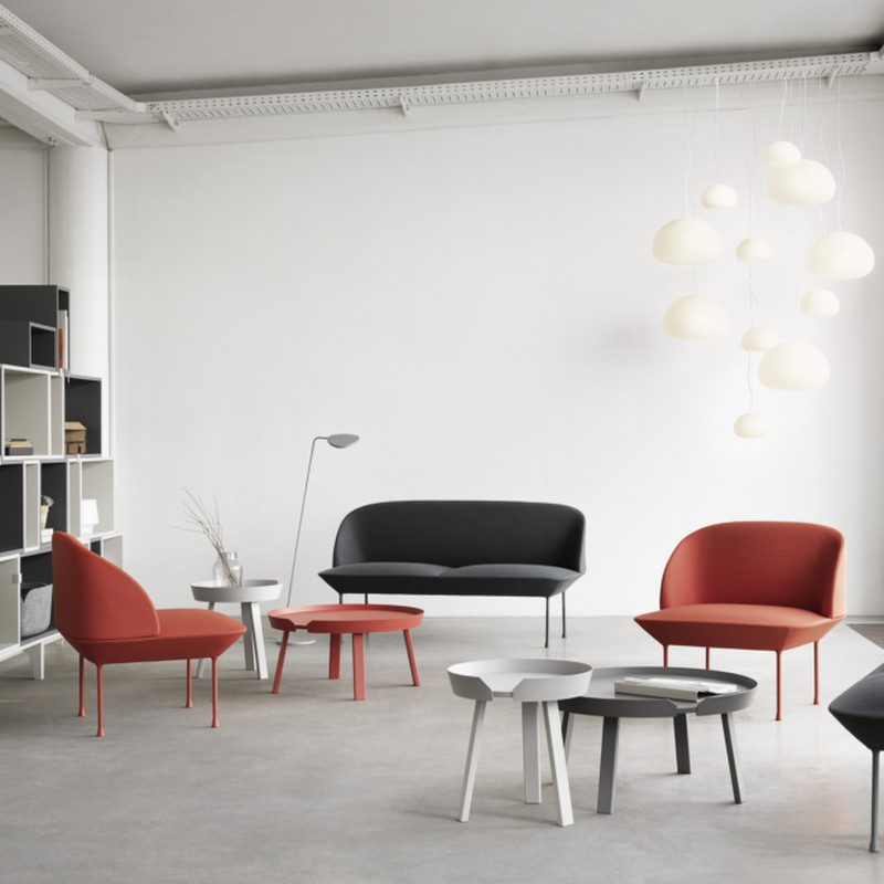 rosa oslo sofa i kvadrat tekstil fra muuto indret med. Black Bedroom Furniture Sets. Home Design Ideas