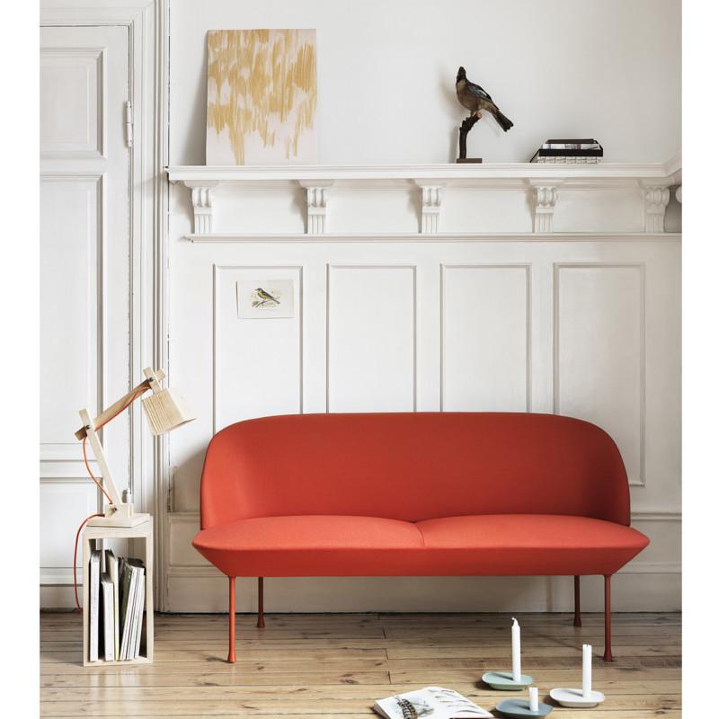 Rosa oslo sofa i kvadrat tekstil fra muuto   indret med designer ...