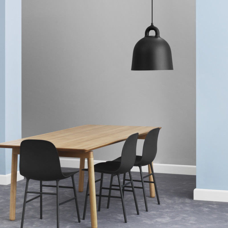bell lamp i sort fra normann copenhagen. Black Bedroom Furniture Sets. Home Design Ideas