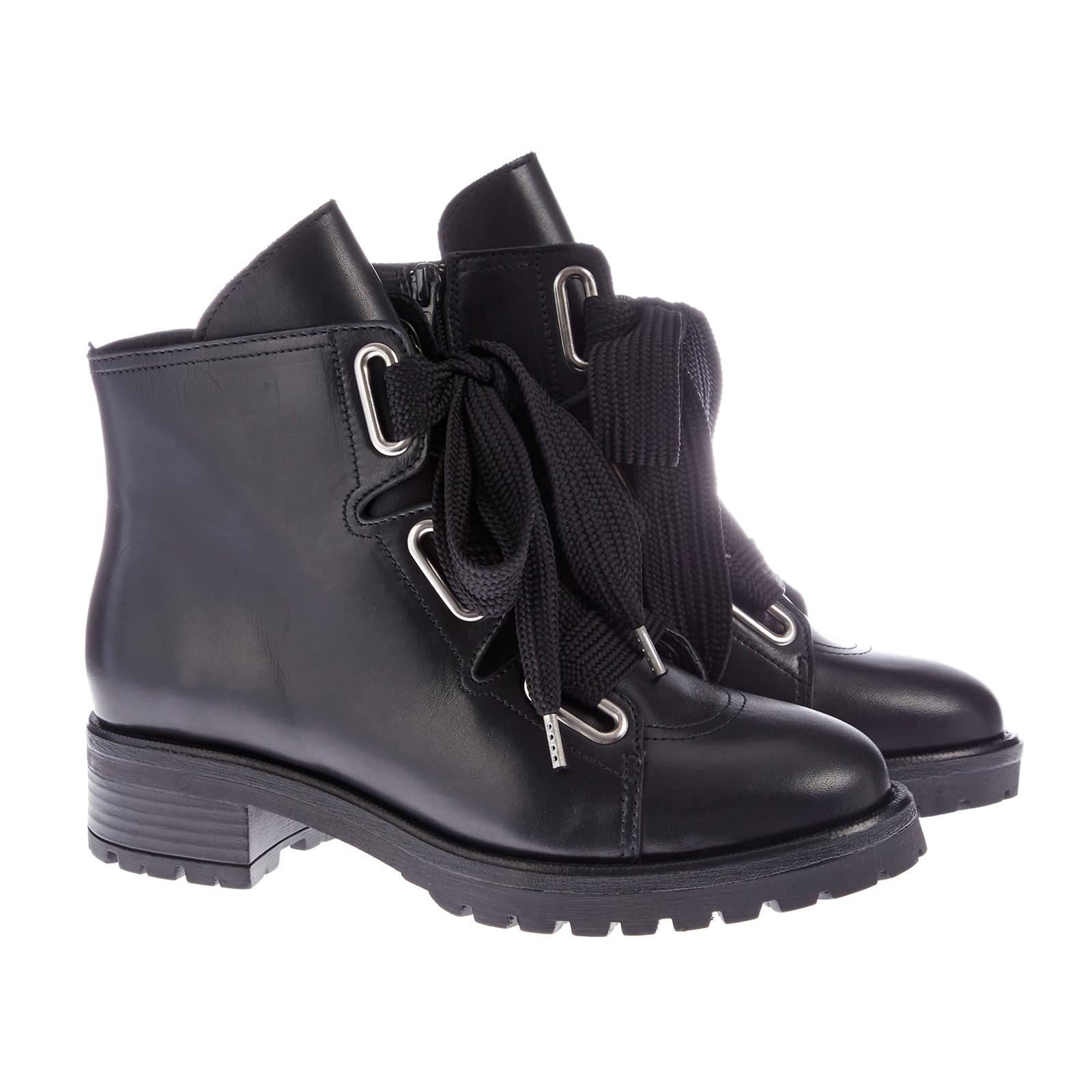 RE:Designed fafe boots med brede snørebånd