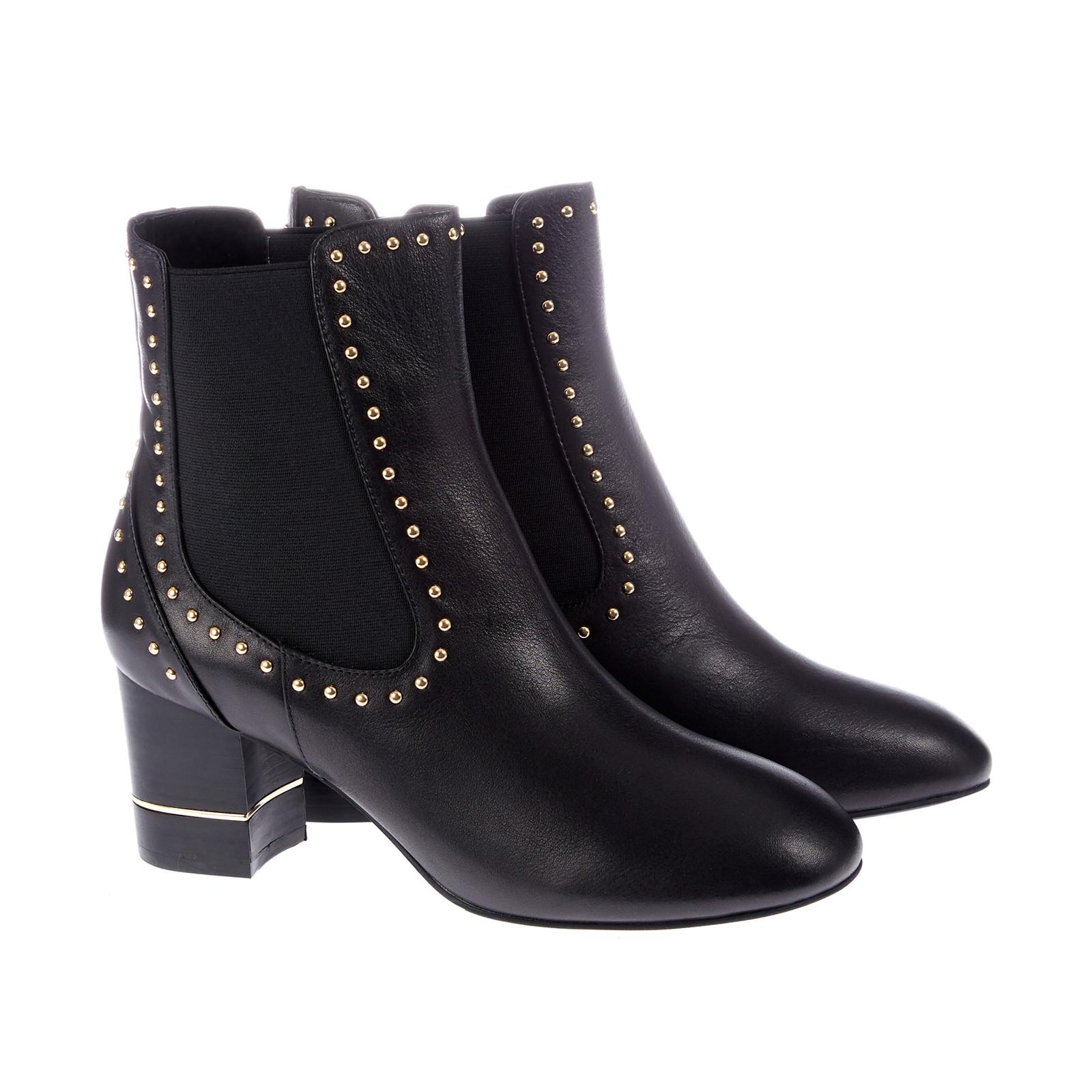 fa9a3f83d5b0 Støvle med guld detaljer og bred hæl fra Sofie Schnoor