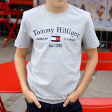 KB0KB06710 Tommy Hilfiger T-shirt GRÅ