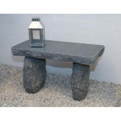 Bænk i mørk granit (Gr. 519)