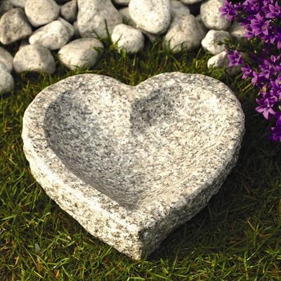 Fuglebad hjerteform længde 20 cm, lysegrå granit