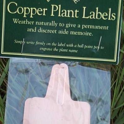 Kobber skilte til at stikke ned i jorden.- pakning med 10 stk