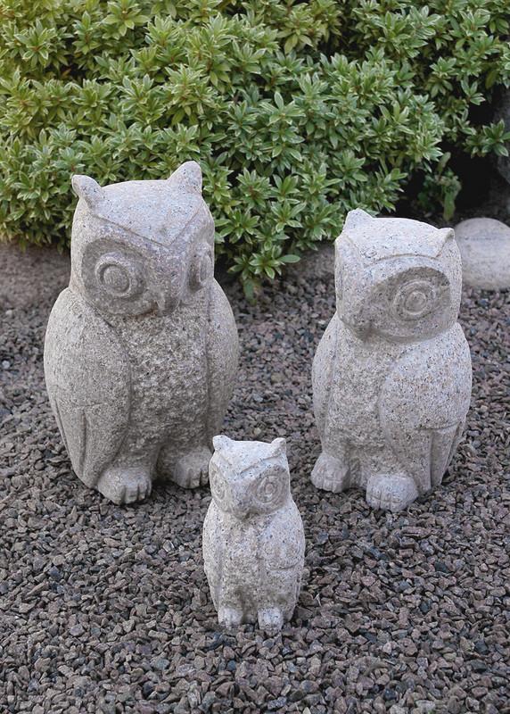 Ugle 30 cm. grå granit. en sjov lille ting til haven eller terrassen.