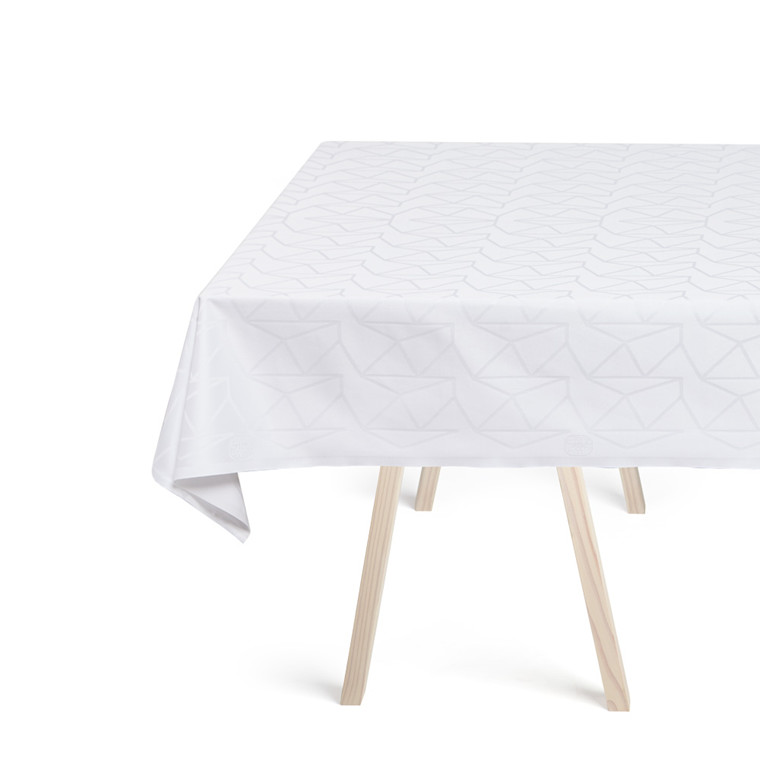 ARNE JACOBSEN tablecloths White