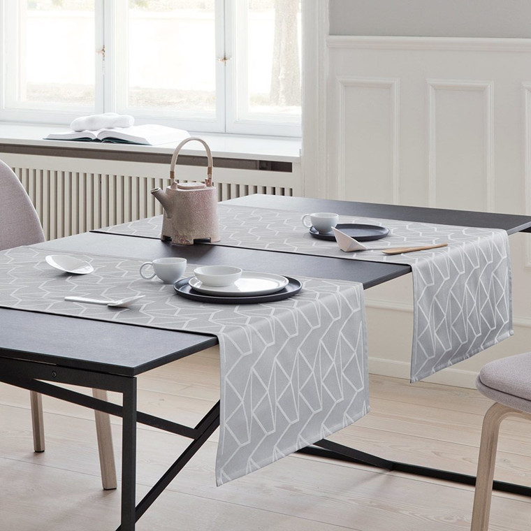 ARNE JACOBSEN table runners Opal Grey