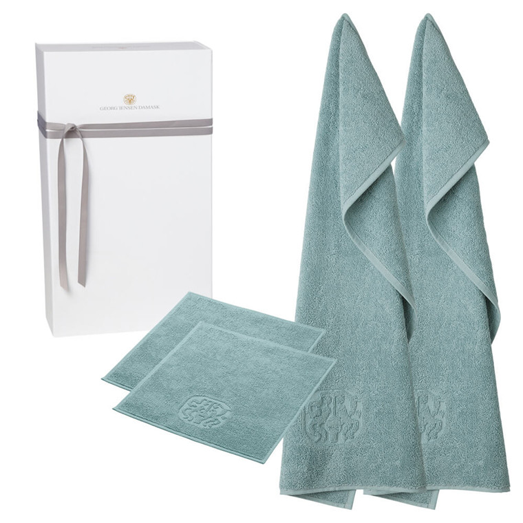 2 guest towels and 2 face cloths