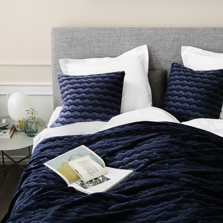 KUBUS sengeteppe Navy Blazer