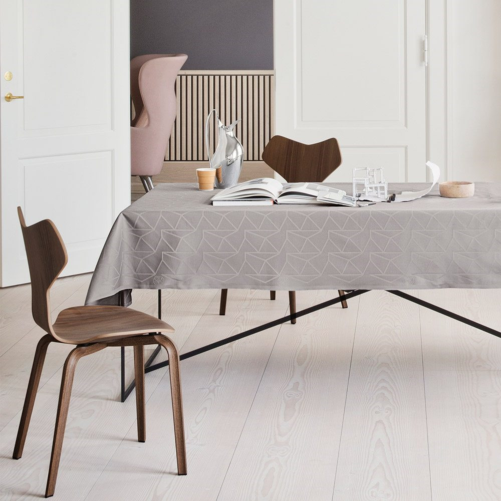 arne jacobsen s design universe which did not previously include table textiles georg jensen. Black Bedroom Furniture Sets. Home Design Ideas