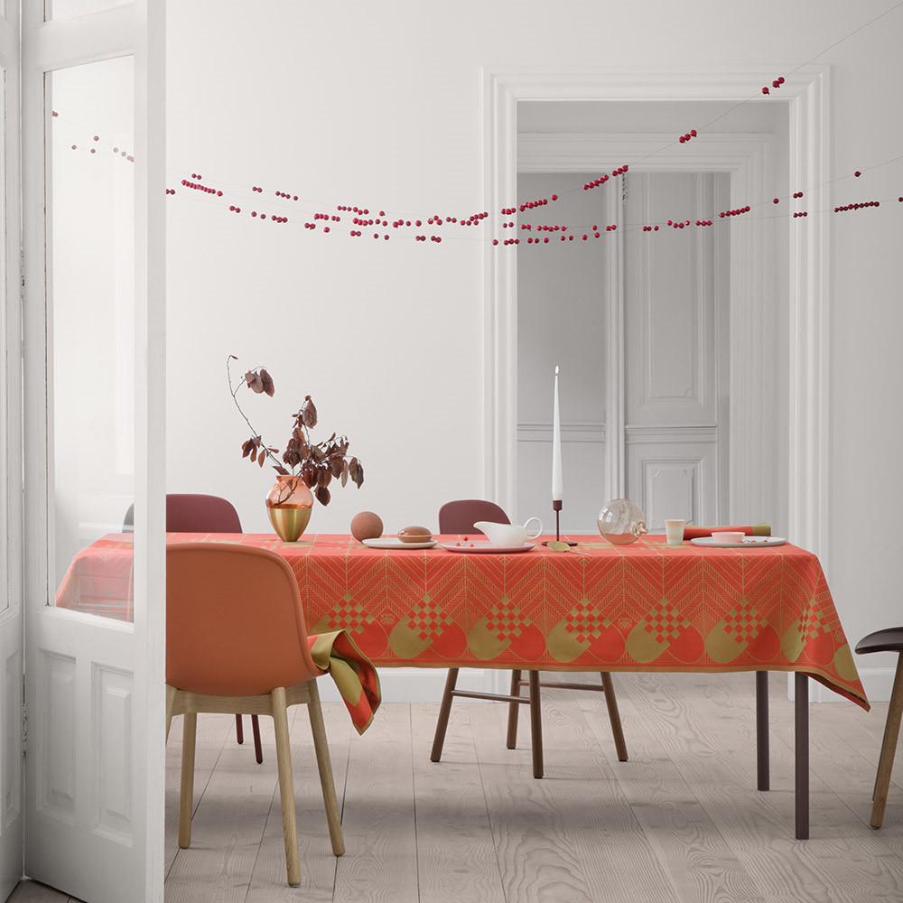 juledugen flettet hjerter er et af de smukkeste juleduge georg jensen damask. Black Bedroom Furniture Sets. Home Design Ideas