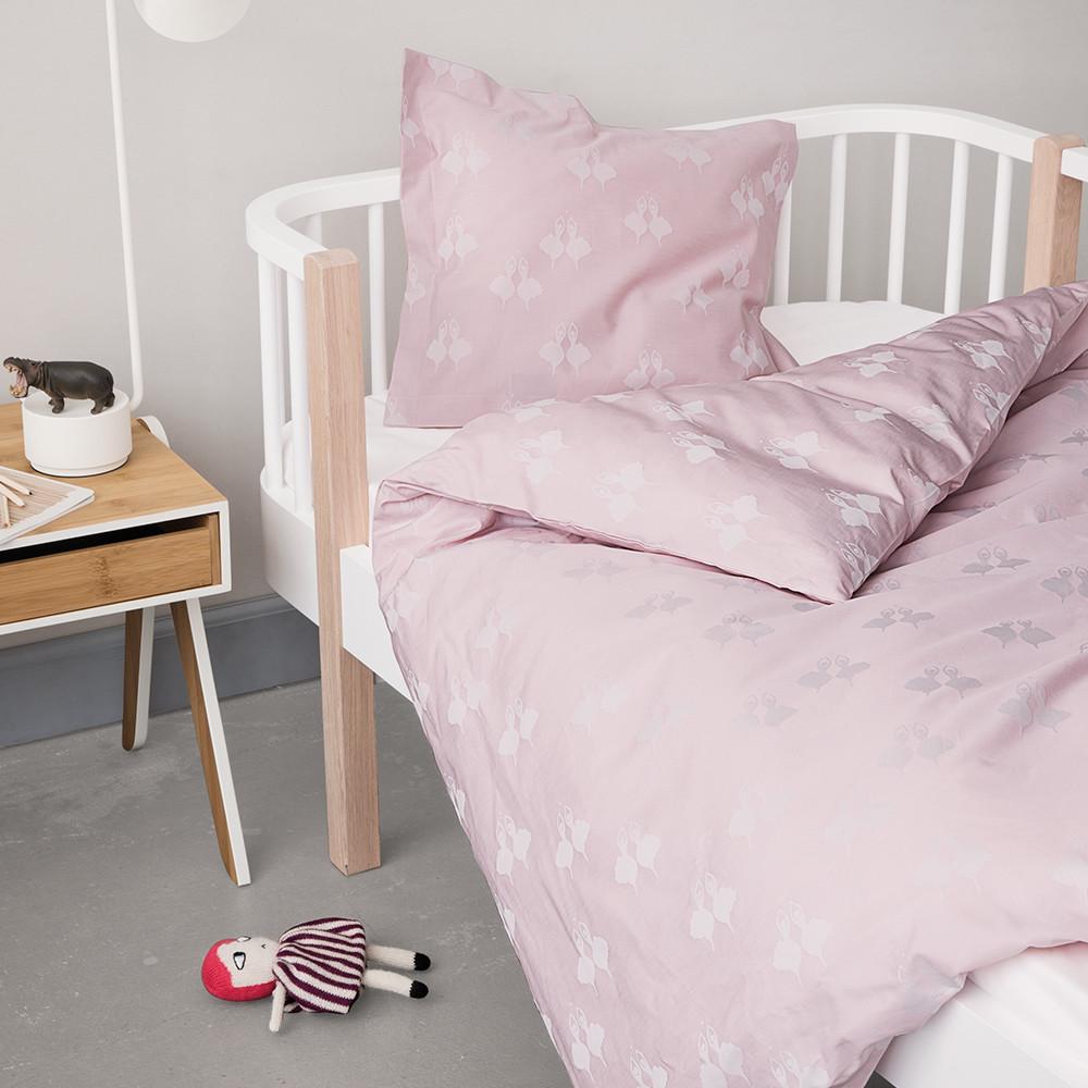 baby sengetøj pige Smukt sengetøj i fine pasteller med en ballerina til den lille  baby sengetøj pige