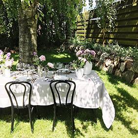 Inspiration til, hvordan du dækker et sommerbord i haven