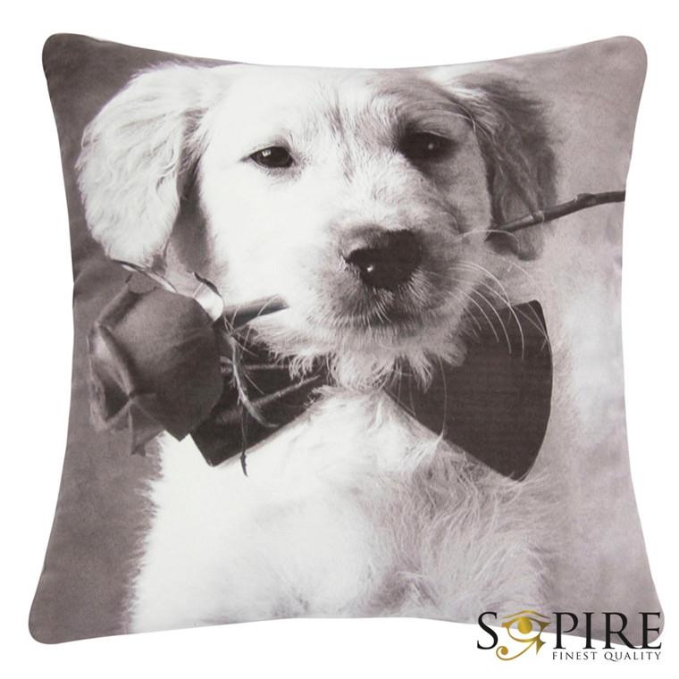 SOPIRE Hund med rose pyntepude 45x45