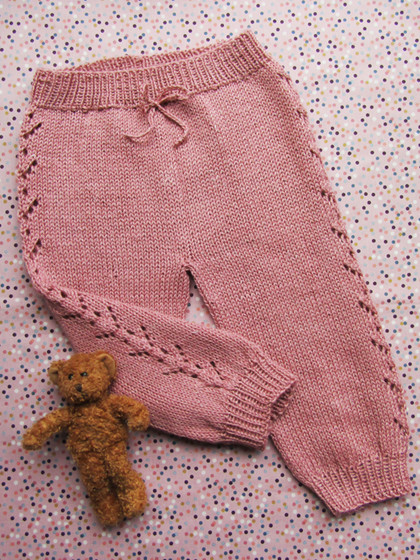 Bukser med hulmønster