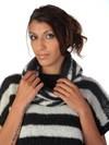 Stribet trøje med løs krave
