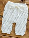 Babybukser med hulmønster