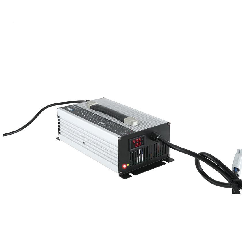 Lader 50A/12V/260x150x90 <br />Lader-Li-ion