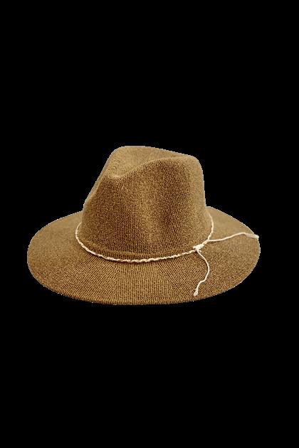 BLACK COLOUR HAT, ANA CAMEL