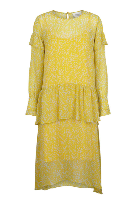 SECOND FEMALE Olivia kjole