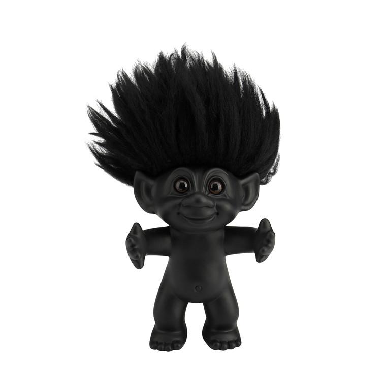 BY SOMMER Lykketrold mat sort/sort hår 15 cm