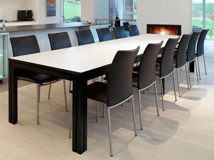 Skovby SM 24 bord inkl. 3 tillægsplader (hvid laminat / sortbejdset wengé)