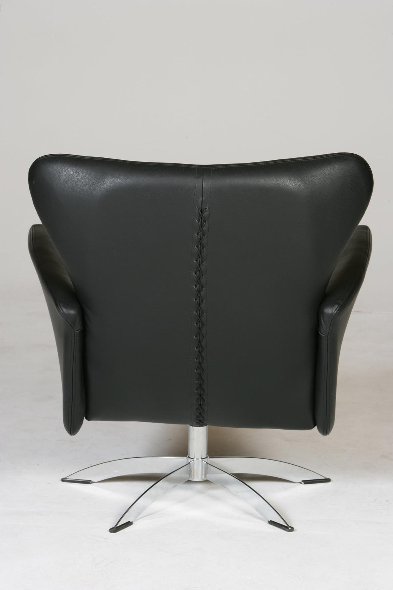 Opus Lænestol Lav fra Hjort Knudsen alle stole er unikke
