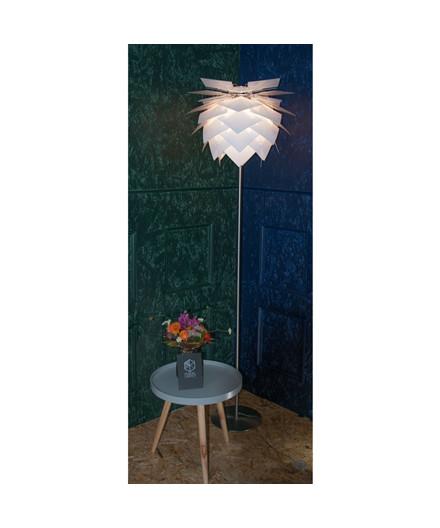 PineApple Medium Gulvlampe Sort - DybergLarsen
