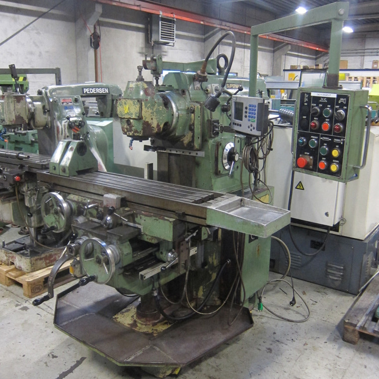 Used Supermax YCM-2H milling machine - ISO 40.
