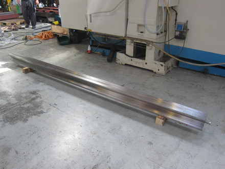 Ny Right Up multisporsmatrice - 95 x 95 x 3200 mm.