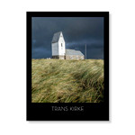 Trans Kirke mod mørk uvejrshimmel