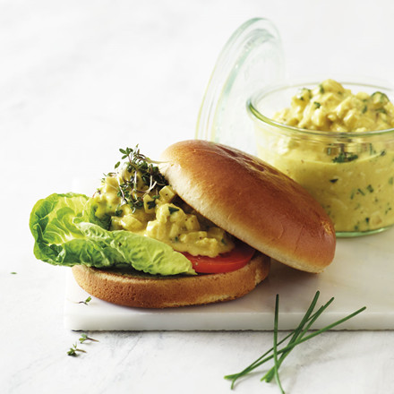 No-egg-salat sandwich