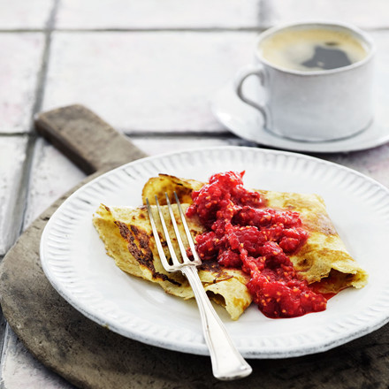 Fuldkornspandekager med rå-rørte hindbær