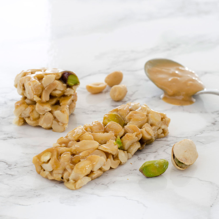 Peanutbar with pistachios and peanutbutter