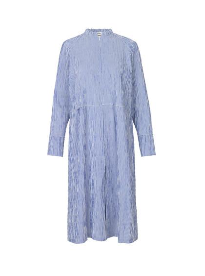 Mads Nørgaard Crinckle Pop Dupina kjole i blå
